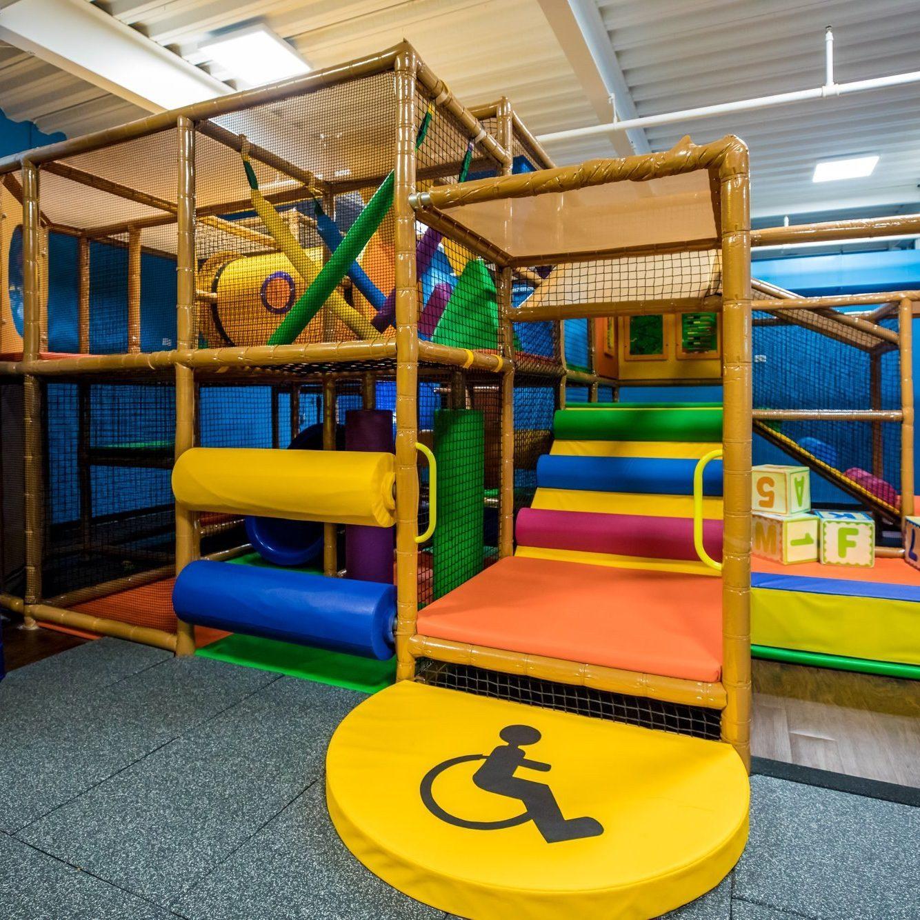 Gold's Gym indoor playground